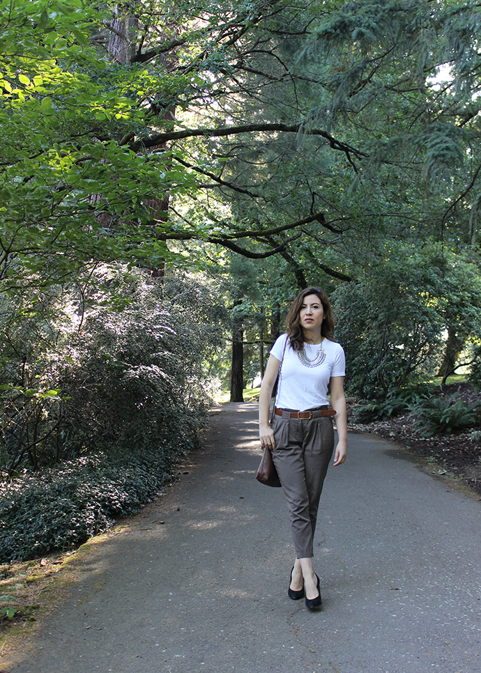 Casual Summer Style: Everlane Crew Neck Tee and Paper Bag Waist Pants
