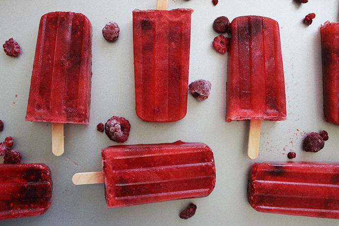 Boozy Frozen Treats: Raspberry and Rosé Popsicles