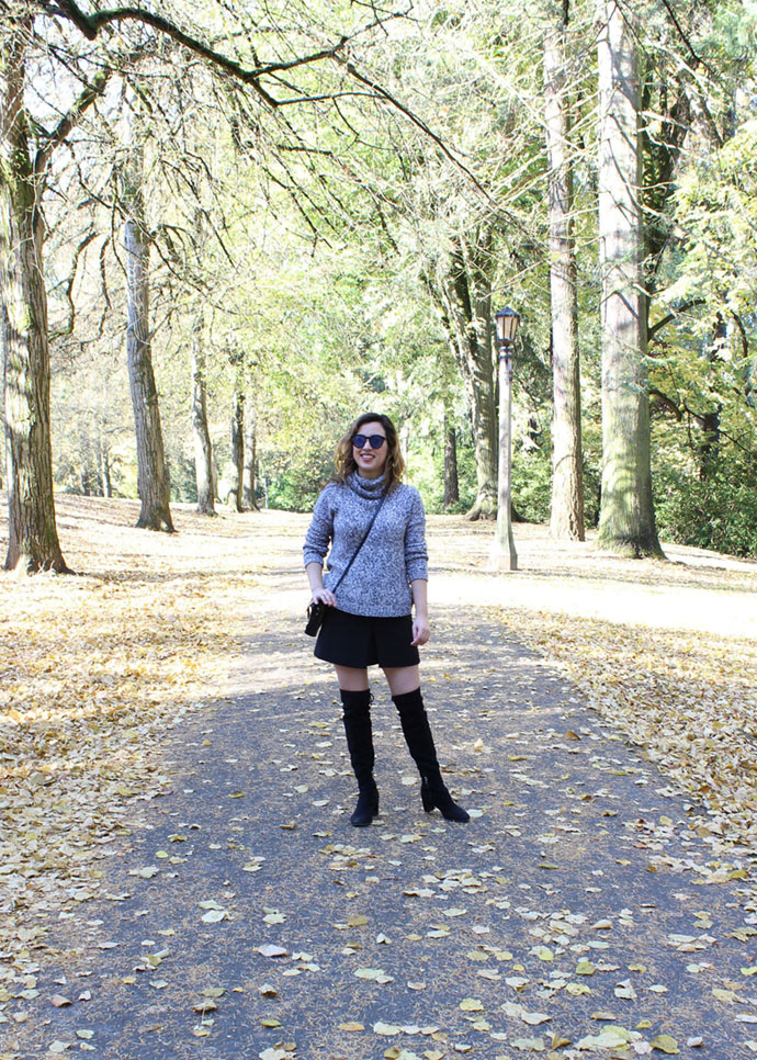 Wearing a fall monochrome outfit at Laurelhurst Park in Portland