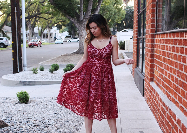 Cute Valentine's Day Outfit: Red Lace Dress